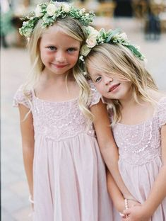 Wedding flower girl style idea; photo: Diana McGregor