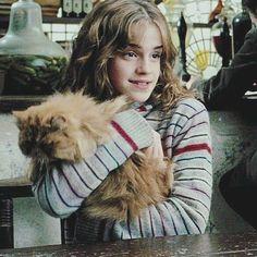 Hermione & Crookshanks