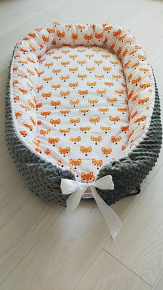 Are you looking for something bright, cute and unique for newborn? So you definitely like this baby cocoon! - made from natural fabrics - hand made - unique desighn - hypoallergenic filler, safety for babies - made with love Babynest for comfortable and safe sleeping kid. Newborn