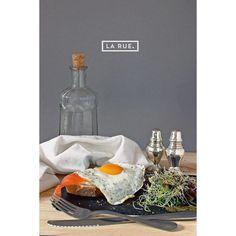 Buenos días! Conocéis nuestro desayuno tártaro? Salmón ahumado huevo a la plancha y salsa tártara. No se nos ocurre mejor manera de empezar el fin de semana!  #welcomeweekend #saturdaymorning #desayunosdesabado #malasaña #frenchtaste  Foto by @lucasmoraes by larue.creperie