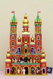 Kraków's extravagant tradition of 'szopki' are a fusion of flamboyant castle, nativity scene, glamorous marionette theatres and playing ground for political satire.