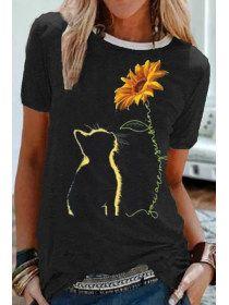 Sunflower printed round neck T-shirt - holapick.com Beau T-shirt, Basic Tops, Tshirts Online, Pulls, Pattern Fashion, Sunflower Print, Black Tops, T Shirts For Women, Sleeves