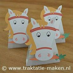 Oh My Fiesta! in english: Cowboys Party: Candy Wrappers. Cowboy Party, Horse Party, Cowboy And Cowgirl, Horse Birthday, Cowgirl Birthday, Paper Toys, Paper Crafts, Crafts For Kids, Arts And Crafts