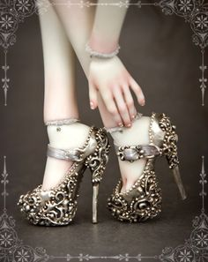 Metal Doll's Shoes. Daily posts on the art doll world http://www.artdollstoday.com