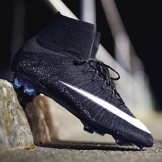 CR7 superfly 4 #1 thing I want trying to find it for cheap at usasoccermall.com for $129.99 (with tax to Canada $144.99