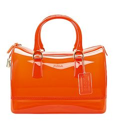 Discover Furla and the alluring light effects captured by the new collection on the new Spring Summer 2013 Collection Bolsas Furla, Furla Purses, Best Handbags, Purses And Handbags, Jelly Bag, Summer Bags, Spring Summer, Popular Shoes, Red Handbag