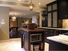 Cream City Construction's recent Kitchen remodeling projects Decor, Cool Kitchens, Kitchen Design Decor, Home Projects, Kitchen Colors, Kitchen Decor, Home Remodeling, Home Decor, Classic Kitchen Style