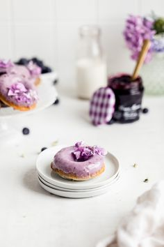 These light and fluffy baked blueberry donuts are swirled with Bonne Maman INTENSE Blueberry Fruit Spread and finished off with a scrumptious blueberry glaze. Baked Blueberry Donuts, Blueberry Fruit, Best Dessert Recipes, Fun Desserts, Sweet Recipes, Cakepops, Brownies, Muffins, Broma Bakery
