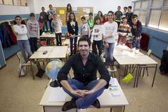 César Bona: Así da clase el candidato español al 'Nobel' de los profesores | EL MUNDO