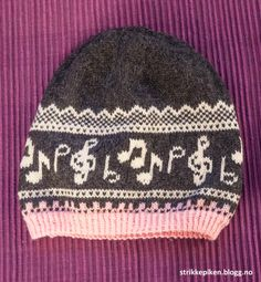 Risultati immagini per fair isle music Yarn Crafts, Sewing Crafts, Diy And Crafts, Arts And Crafts, Knit Mittens, Knitted Shawls, Knit Crochet, Crochet Pattern, Crochet Hats