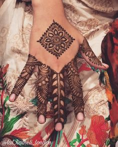 Henna Mehndi, Henna Art, Mehendi, Best Mehndi Designs, Mehandi Designs, Menhdi Design, Symbol Tattoos, Henna Tattoos, Finger Henna