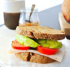 Postres Saludables | Desayuno fit: Sandwich de pan integral | http://www.postressaludables.com