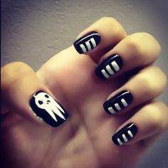 Death the Kid inspired nail art.  SOUL EATER >_