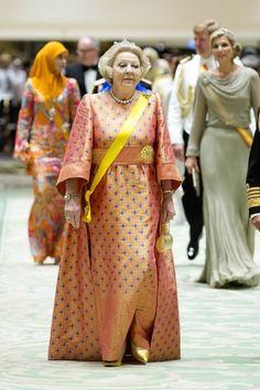 MYROYALS & Hollywood Fashion: NEDERLANDSE KONINKLIJKE familiebezoek aan BRUNAİ-DAG 1