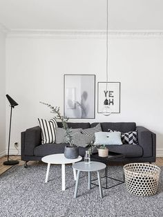 Find your favorite Minimalist living room photos here. Browse through images of inspiring Minimalist living room ideas to create your perfect home. Home Interior, Living Room Interior, Interior Design, Interior Livingroom, Modern Interior, Modern Minimalist Living Room, Modern Living, Ikea Living Room, Dining Rooms