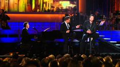 Michael Buble and Blake Shelton - Home ( Live 2008 ) HD - good gosh I loveeee this!! can't stop playing their song