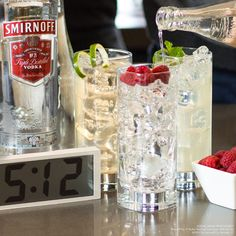 #DaylightSavings brings us one hour closer to #happyhour, and clocks that change themselves bring us one extra minute to mix these three #EasyDrinks. #Spring   Just mix Smirnoff No. 21 Vodka with lemonade or club soda or ginger ale!
