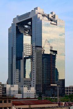 Umeda Sky Building, Osaka (1993) | Architect : Hiroshi Hara | Stirling Elmendorf Photography