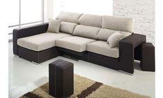 Sofá tres plazas con chaise longue a la izquierda y dos puff en piel textil. Venta Flash