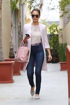 Jessica Alba | How to wear pink without looking too girly