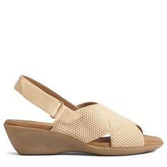 d848043f0d03 Aerosoles Women s Badlands Medium Wide Sandals (Bone) Wedge Sandals