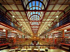 Mortlock Chamber in the State Library of South Australia. Definitely a place I'll have to visit when next in town!!