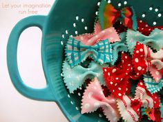 Craftberry Bush: Painted pasta as a graft embellishment (for grown-ups too) Crafts To Do, Crafts For Kids, Paper Crafts, Present Wrapping, Scrapbook Embellishments, Creative Gifts, Design Crafts, Craft Gifts, Craft Projects