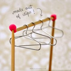 Made with love by Agus Y.: DIY: From Paper Clips to Mini Hangers