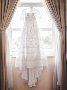 """Hach ihr Lieben, ich bin euch noch was schuldig! Könnt ihr euch noch an das """"Teaser""""-Foto von meinem selbstgenähten Zweit-Brautkleid erinnern? Ich habe es durch den ganzen Alltagstrott ganz vergessen euch das Kleid im Einsatz zu zeigen.... nenene....unsere Hochzeit liegt schon 1,5 Monate zurück und die Bilder schlummern immer noch hier auf dem Rechner..."""