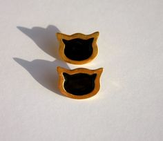 Enamel earrings / cat / gold plated by Mesdames on Etsy Plating, Enamel, Trending Outfits, Cats, Unique Jewelry, Handmade Gifts, Earrings, Gold, Vintage