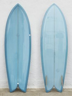 What is the difference between Surfboard Tail Designs? Fish Surfboard, Surf Design, Surf Shack, Surfing, Surfboards, Graphic Design, Sled, Sprays, Twin