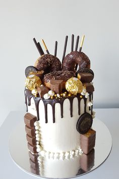Chocolate Birthday Cake For Men, Birthday Cake For Women Simple, Chocolate Drip Cake, Birthday Cakes For Teens, 21st Birthday Cakes, Birthday Ideas, Beer Can Cakes, Fresco, Teen Cakes