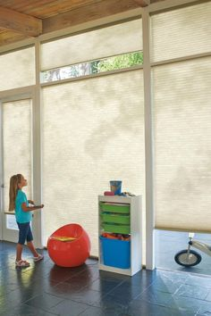 With more than 150 color options, the Honeycomb Cellular shade from Hunter Douglas can range from sheer styles to textured print with its unique construction.