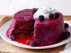 Blackberry summer pudding Serve up a tasty treat this summer with our favorite summer desserts, including tarts, shortcake and ice cream, from your favorite chefs at Food Network. Summer Picnic Desserts, Köstliche Desserts, Dessert Recipes, Summer Fruit, Summer Food, Summer Berries, Fruit Recipes, Summer Recipes, Gastronomia