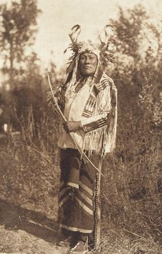 American Indian& History: Native American Bow and Arrows and Blow . Native American Images, Native American Tribes, Native American History, American Indians, American Dog, Native Indian, Blackfoot Indian, Indian Tribes, Portraits