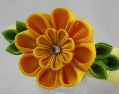 Diadema de flores de cinta. Plantilla de flor por KanzashiPetals                                                                                                                                                                                 Más