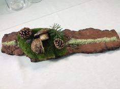 Snack di benvenuto: Muschio e porcini fritti serviti su corteccia