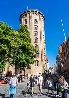 Rundetaarn (Round Tower)Best Copenhagen Architecture and Design Sights Photos Amazing Architecture, Architecture Design, Round Tower, Holland Netherlands, Famous Buildings, Copenhagen Denmark, Water Tower, Architectural Digest, Kirchen
