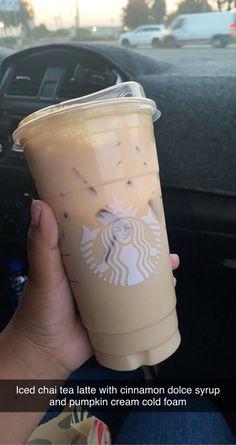 Starbucks Specialty Drinks, Bebidas Do Starbucks, Healthy Starbucks Drinks, Starbucks Secret Menu Drinks, Starbucks Coffee, Yummy Drinks, Iced Coffee, Coffee Drink Recipes, Cold Coffee Drinks