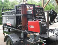 Mark Cody uses Lincoln Electric welding rods and equipment to a build a mobile shop. Welding Trailer, Welding Trucks, Welding Cart, Welding Rigs, Welding Tools, Diy Welding, Mobile Welding, Welding Shop, Welding Classes