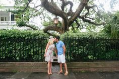 Downtown Charleston has so many sweet spots to take engagement photos - RIVERLAND STUDIOS