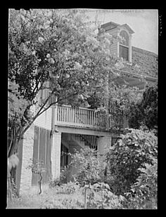 Melrose, Natchitoches Parish, Louisiana. Main house on the John Henry cotton plantation, which was built by the mulatto Augustin Metoyier, for his son Louis, and sold to J.H. Henry in 1833. It was originally the Yucca Plantation (from Spanish). See general caption