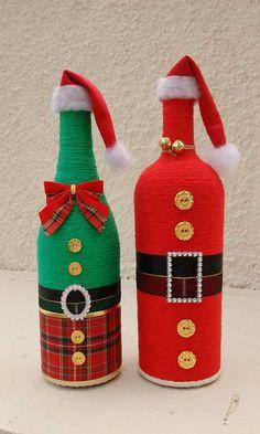 Botellas Glass Bottle Crafts, Bottle Art, Christmas Craft Projects, Christmas Crafts, Reuse Bottles, Wrapped Wine Bottles, Bottle Drawing, Wine Cork Art, Decorated Wine Glasses