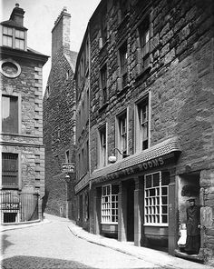 St Clements Lane, in the Vault Dundee City, Old Street, West End, Vaulting, Amazing Architecture, Historical Photos, Lodges, Great Britain, Old Photos