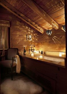 Love everything about this log home bathroom.