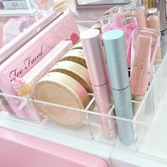 Too Faced has taken over my LIFE!Can't wait to get my Summer Makeup Collection video up for you beauties!My #SLSnapFam knows I've been working hard on it!#slmissglambeauty