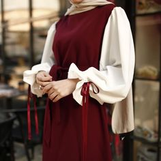 the hijab fashion trends for spring summer 2020 Modest Fashion Hijab, Modern Hijab Fashion, Casual Hijab Outfit, Abaya Fashion, Muslim Fashion, Fashion Clothes, Casual Outfits, Fashion Outfits, Girl Fashion