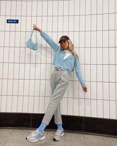 I just rly like blue ok 😅too much? 🤷♀️ Happy Friday to my fave people 🐥. (whole outfit is ) Korean Fashion Trends, Indie Fashion, Aesthetic Fashion, Blue Fashion, Aesthetic Clothes, Retro Outfits, Trendy Outfits, Vintage Outfits, Cool Outfits
