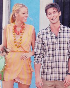 Blake Lively and Chace Crawford. Gossip Girl Serena, Gossip Girls, I'm Chuck Bass, Nate Archibald, Chace Crawford, Girl Couple, Film Industry, Blake Lively, Holiday Fashion