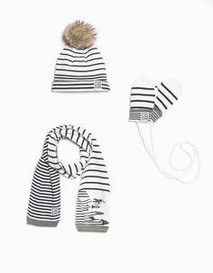 Bonnet, écharpe et moufles bébé
